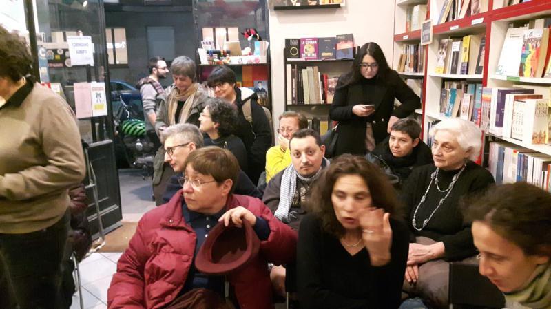 Libreria Antigone piena per L'emersione imprevista
